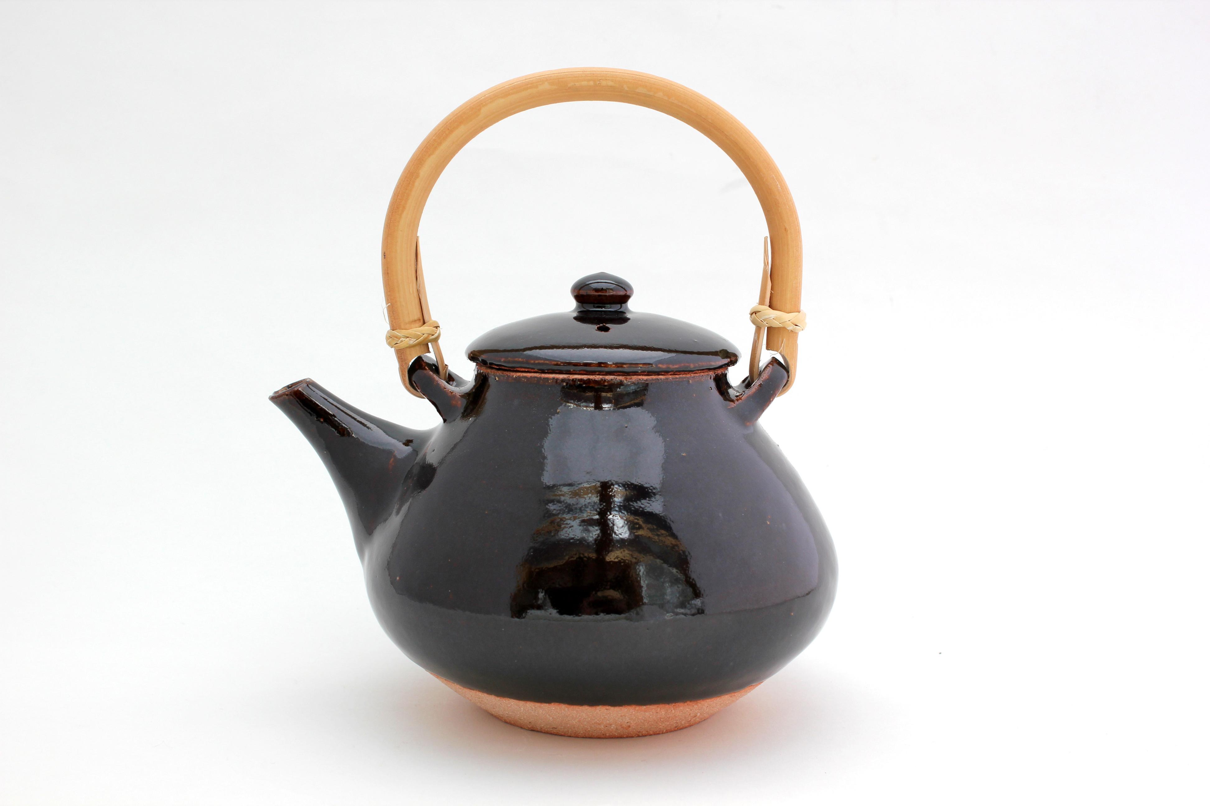 土楽・土瓶(アメ釉)