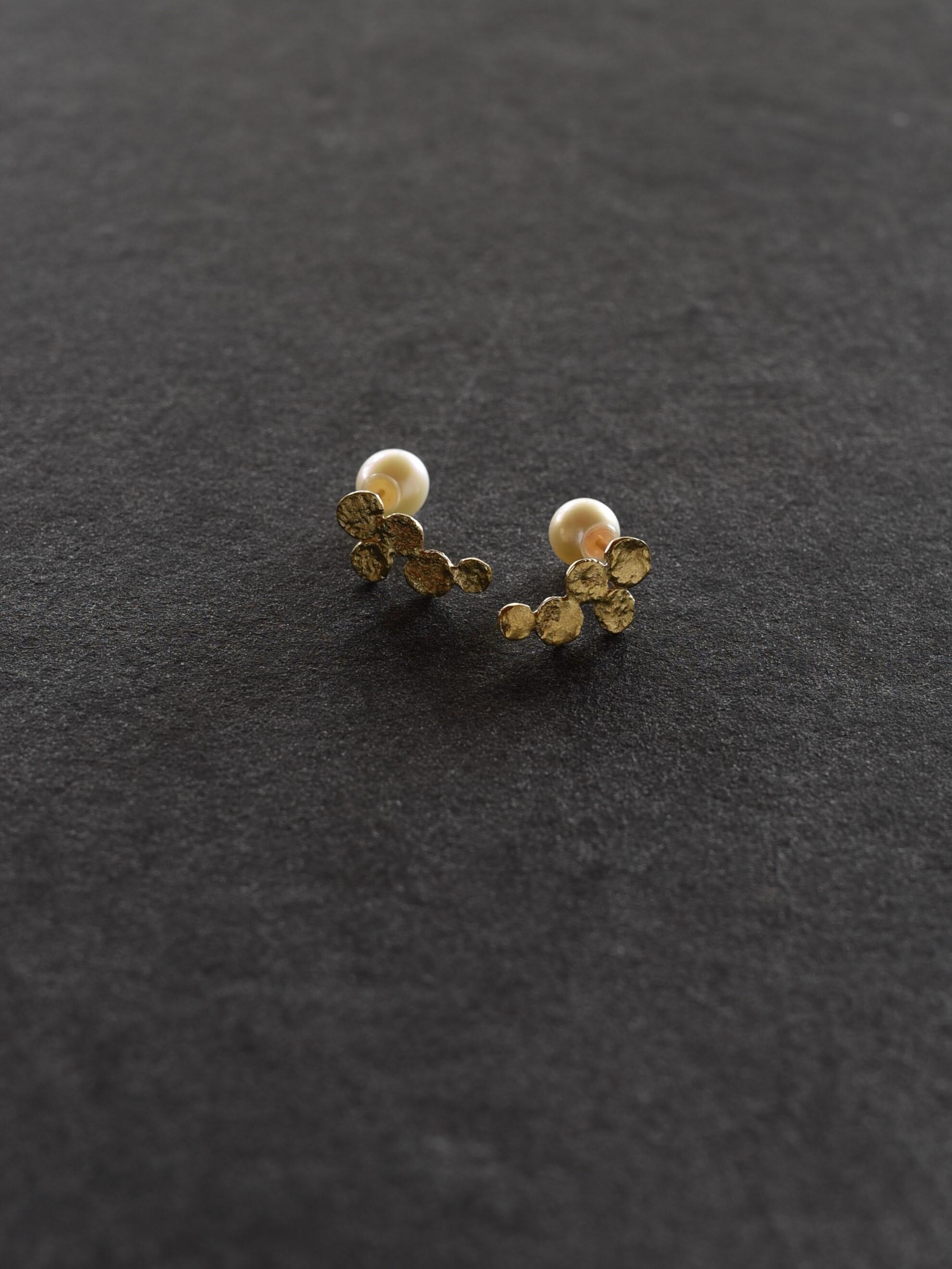 accessories mau P-40 ぶどうピアス brass