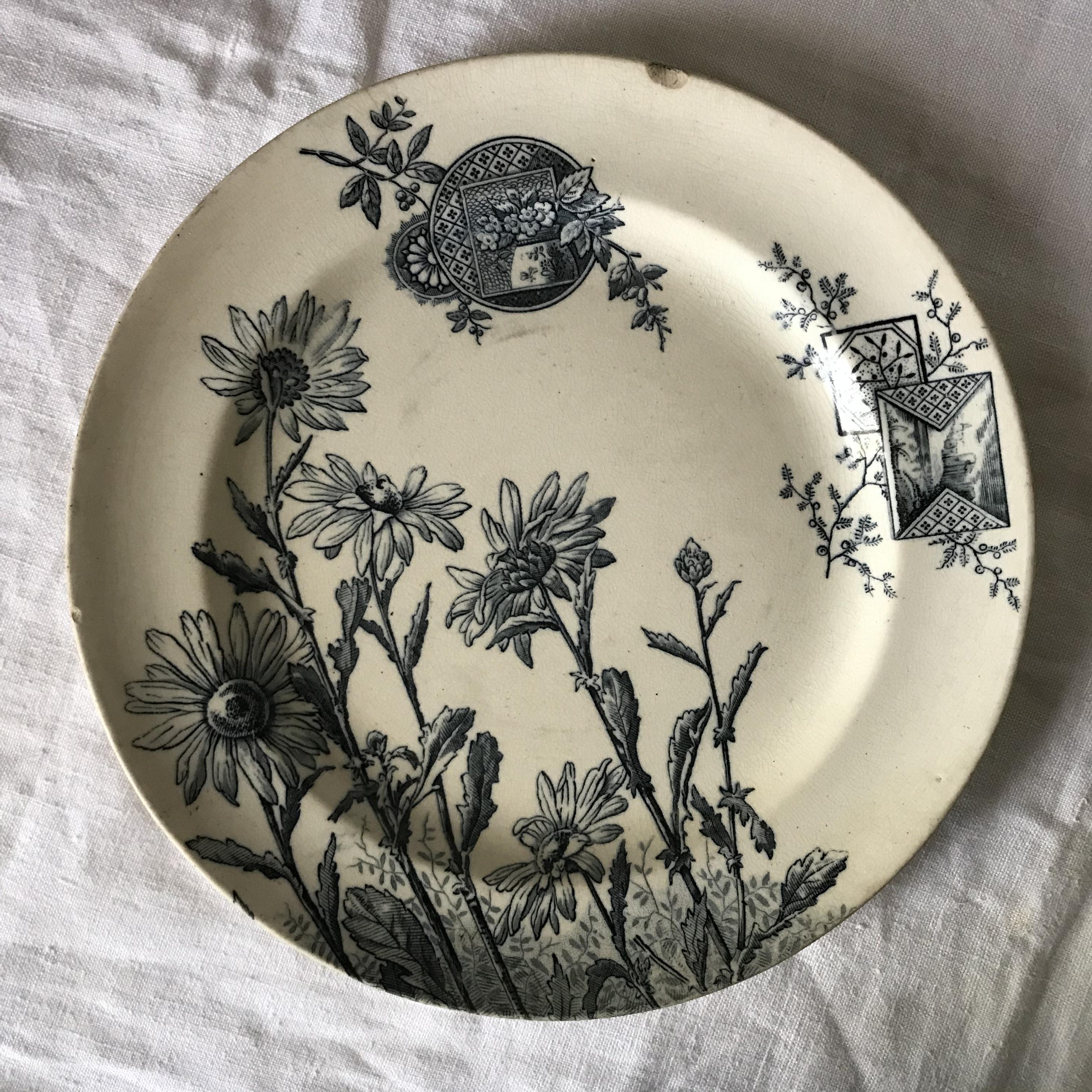 花柄の丸皿