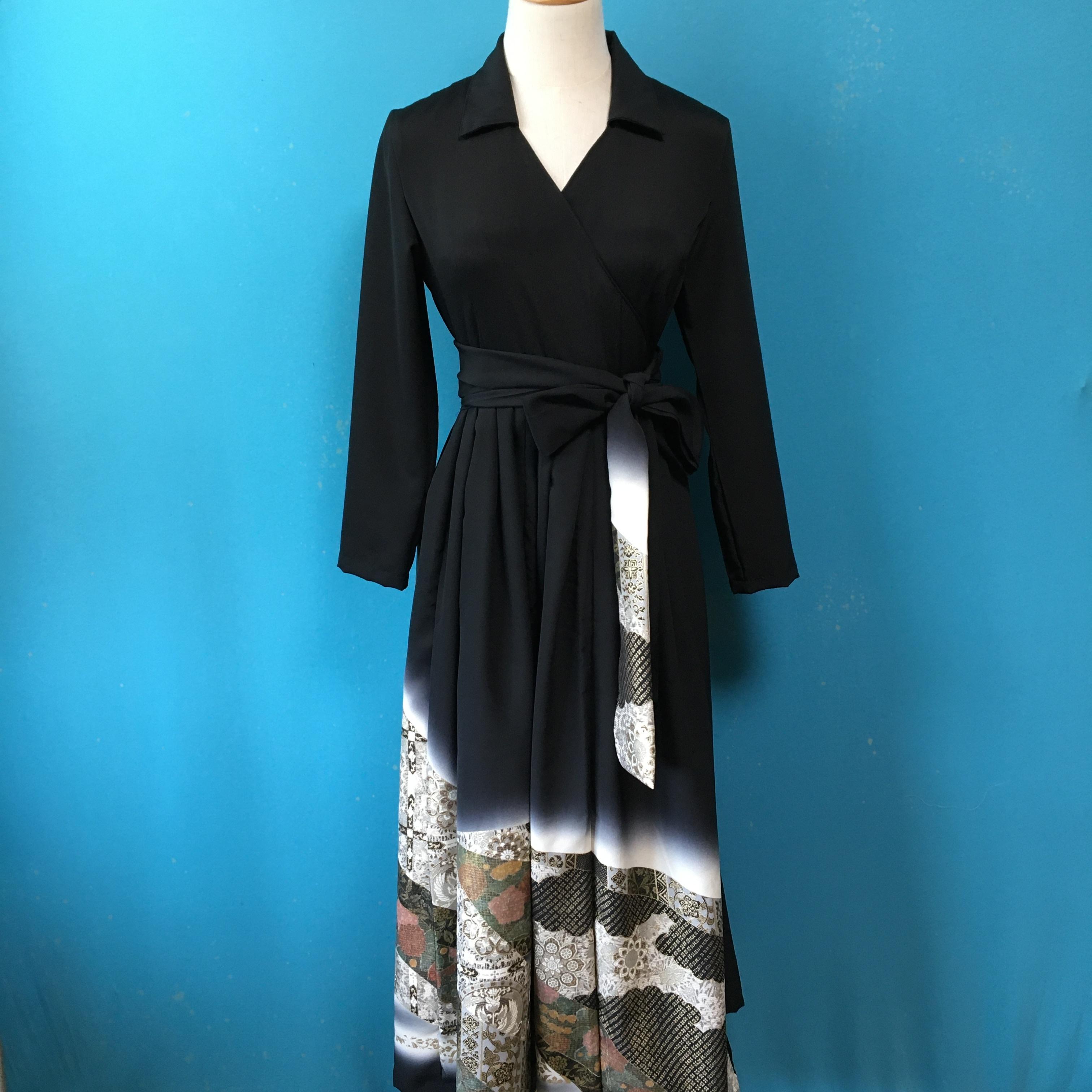 Vintage black kimono dress/ US 6/ 落款
