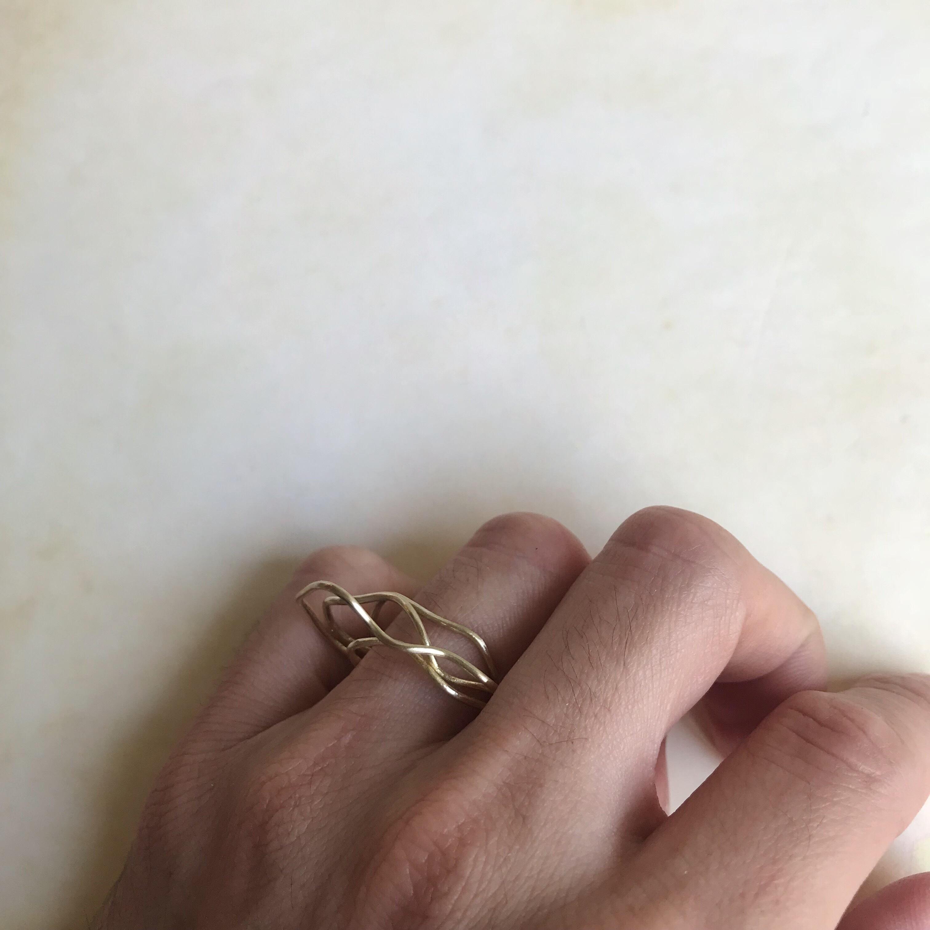 なびくリング(真鍮)