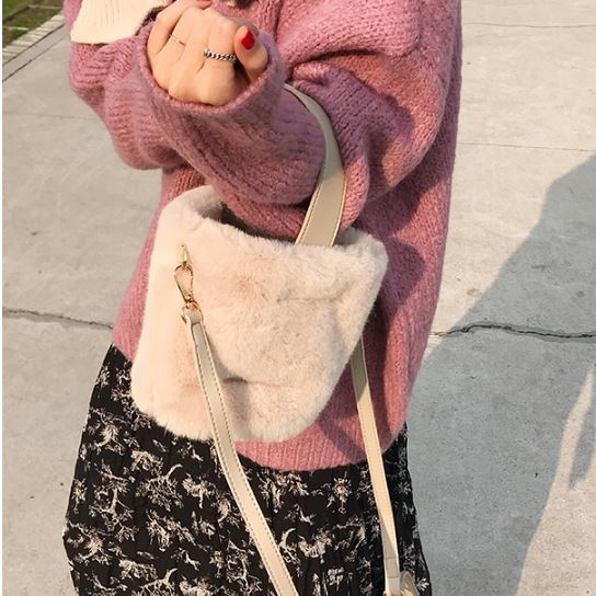 フェイクファー ショルダーバッグ 2way バケツ型 巾着 ハンドバック クロスボディバッグ カジュアル ガーリー キュート 大人可愛い ベージュ系