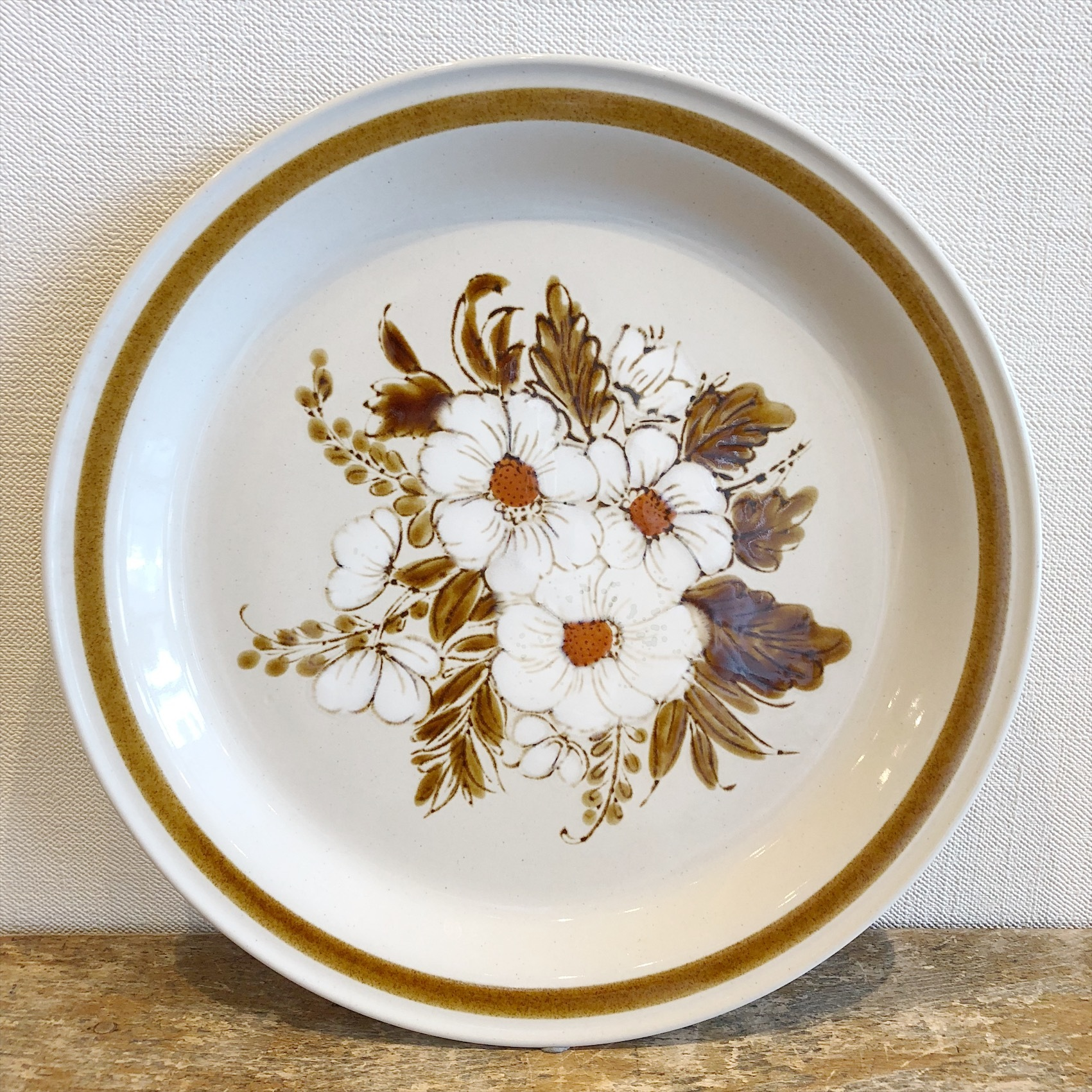Mountain Wood Collection Stoneware Plate