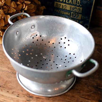 イギリス アルミ製コランダー