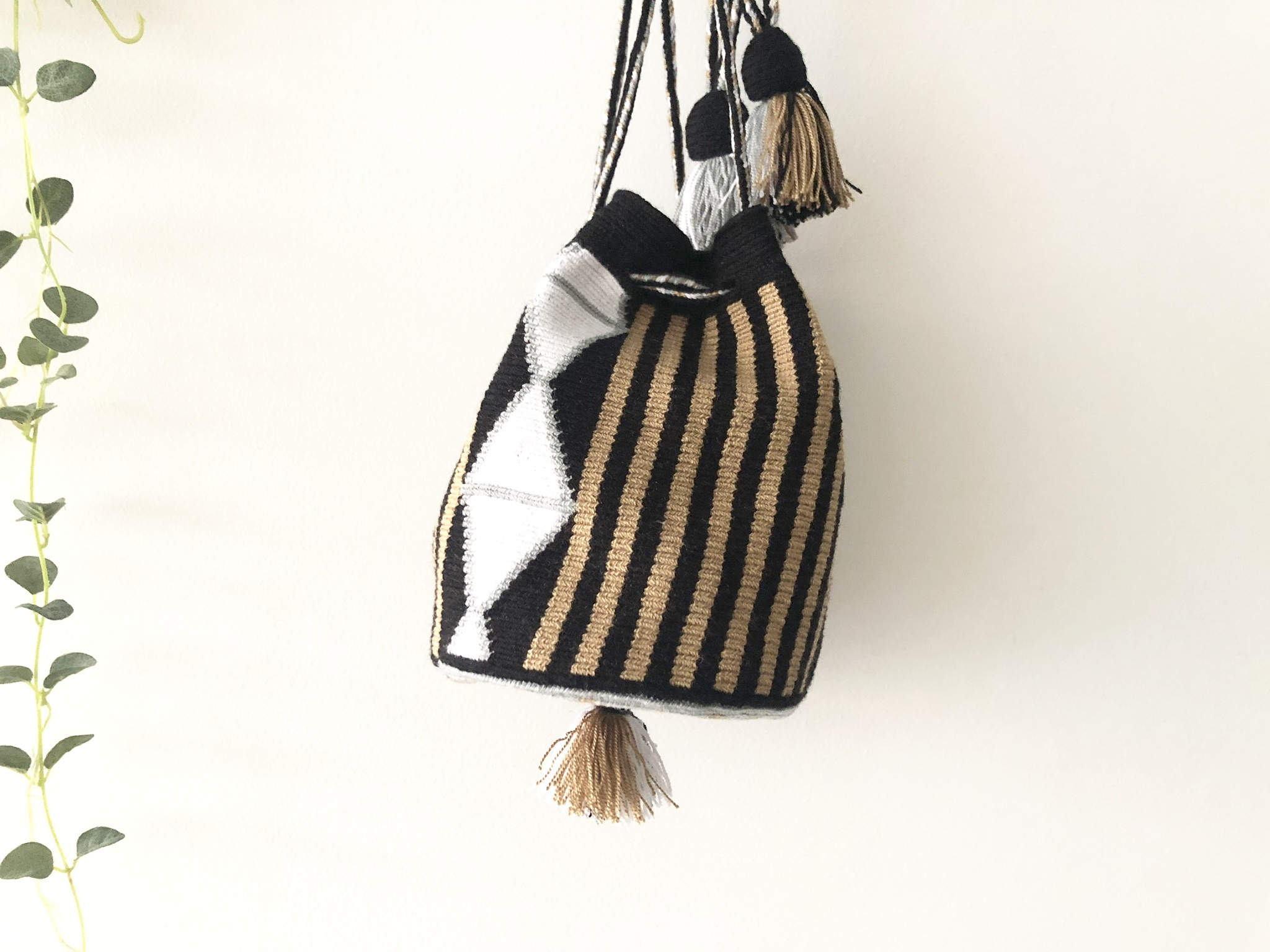 ワユーバッグ(Wayuu bag) Exclusive line Sサイズ Kinchaku mini