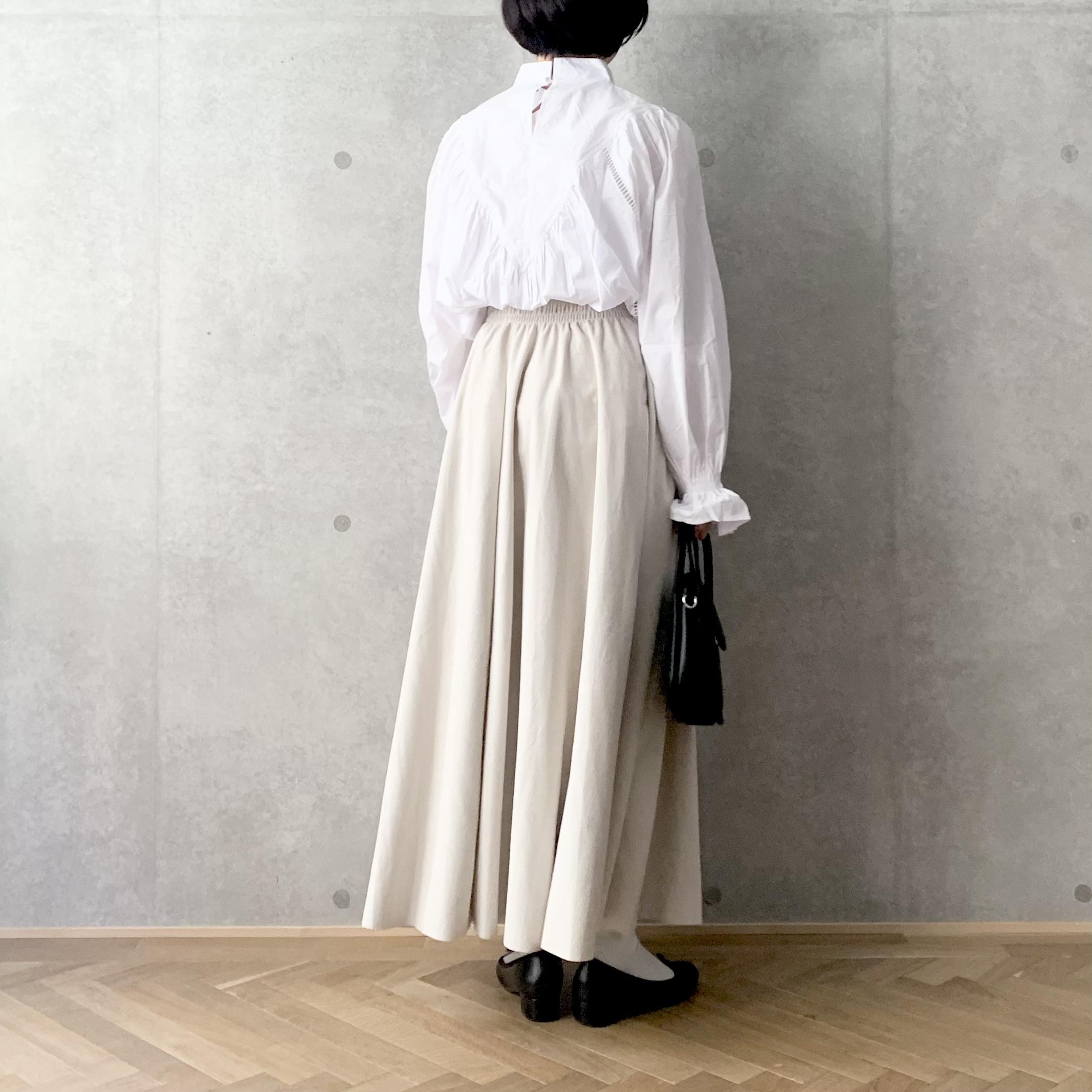 スエード調フレアスカート