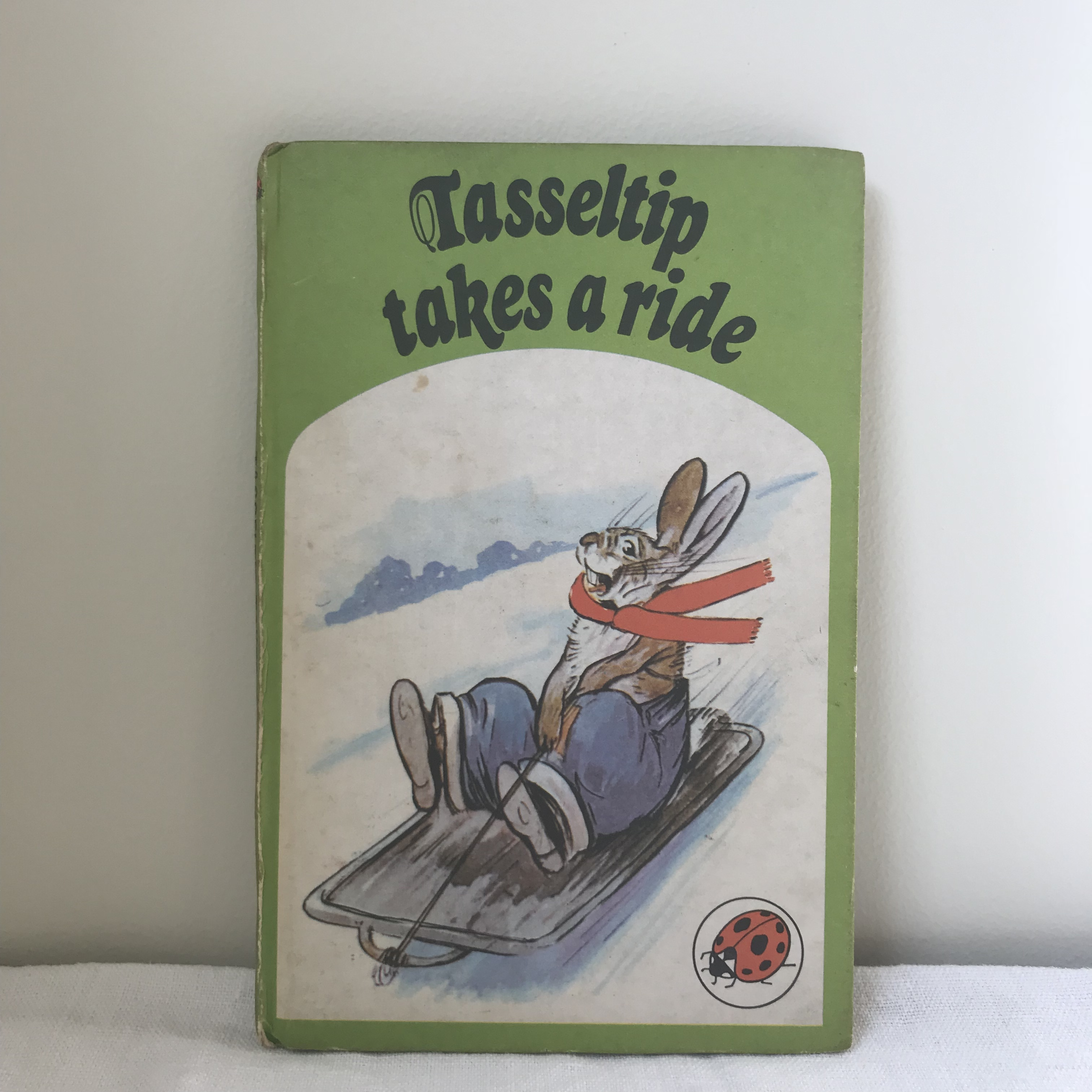 ウサギの絵本2