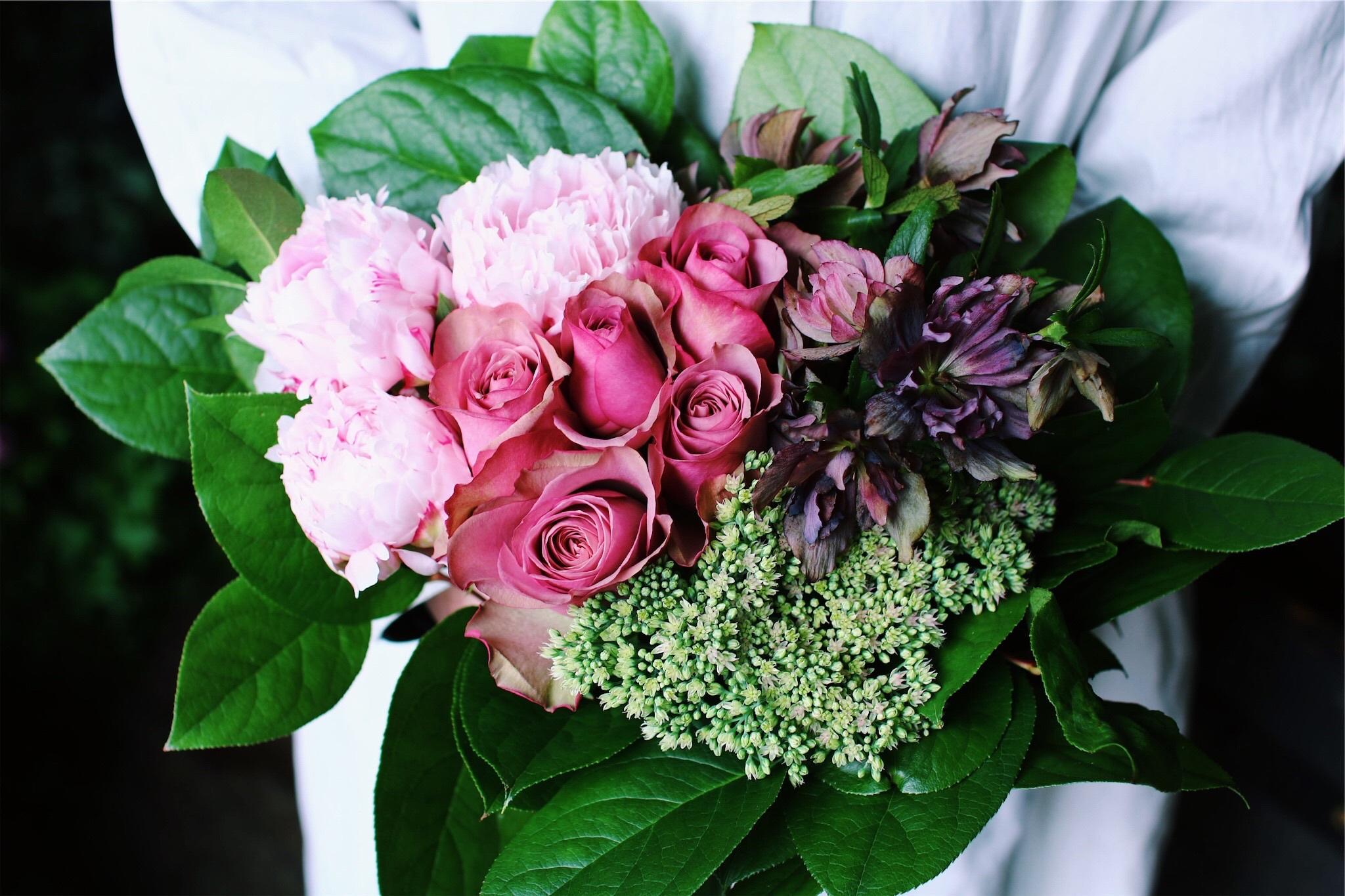ご自宅用季節のお花M(札幌市内限定)