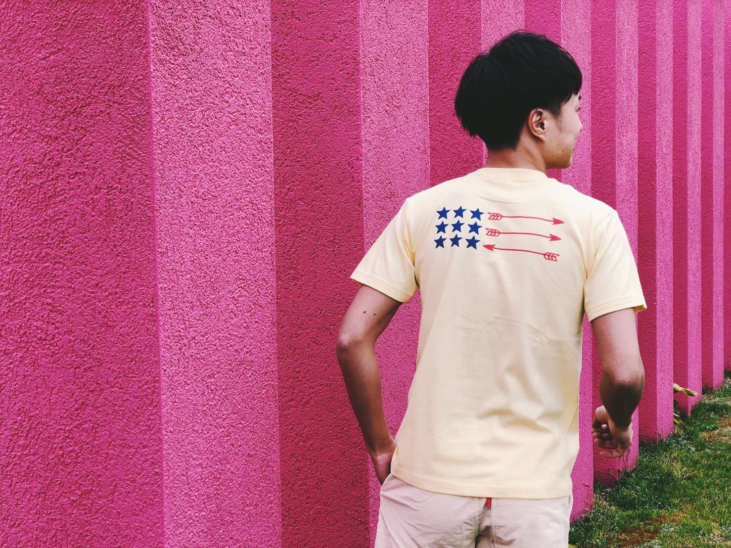 Back Arrow Flag Tシャツ(yellow)