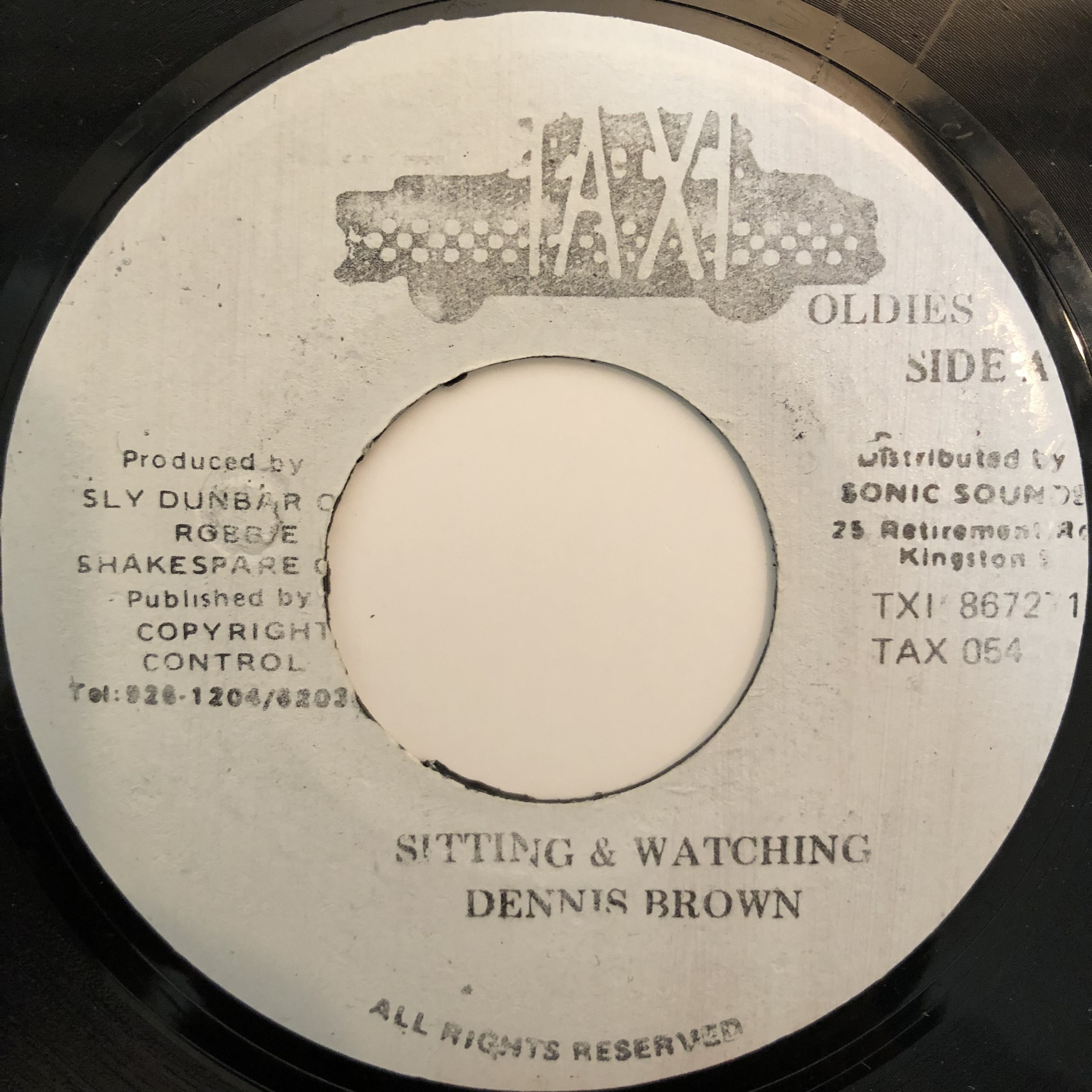 Dennis Brown - Sitting And Watching【7-20373】