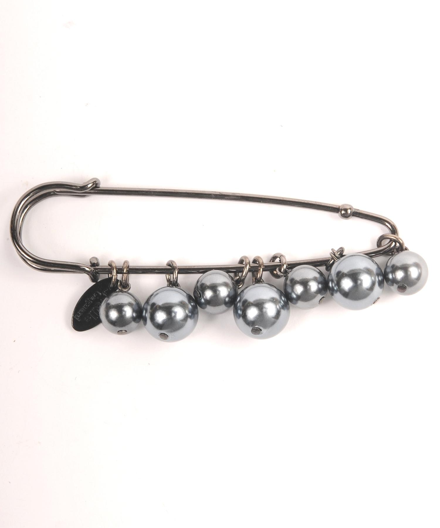 Joe18SM-09 pearl pin