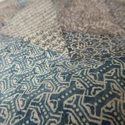 正絹綸子 ブルーグレーの切りばめ風の総柄小紋 単衣