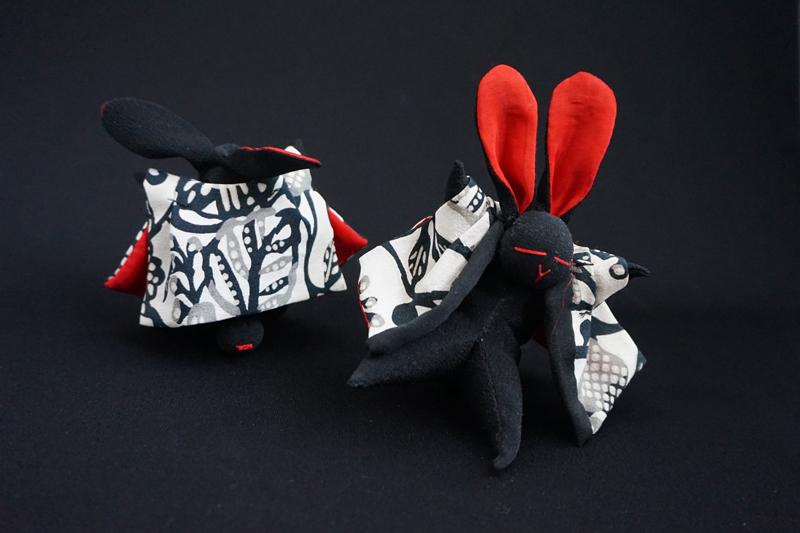 着物、和服の古布人形「どてらうさぎ」黒B - 画像3