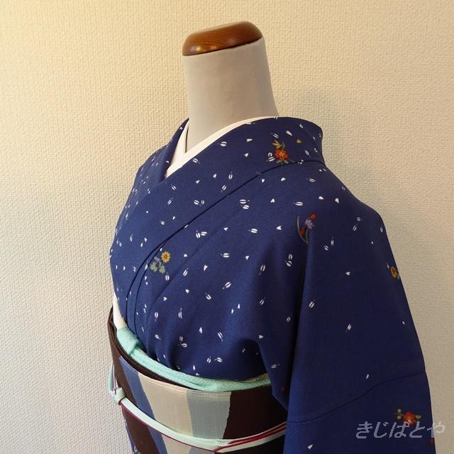 洗える着物 青藍(せいらん)に花弁の小紋 袷