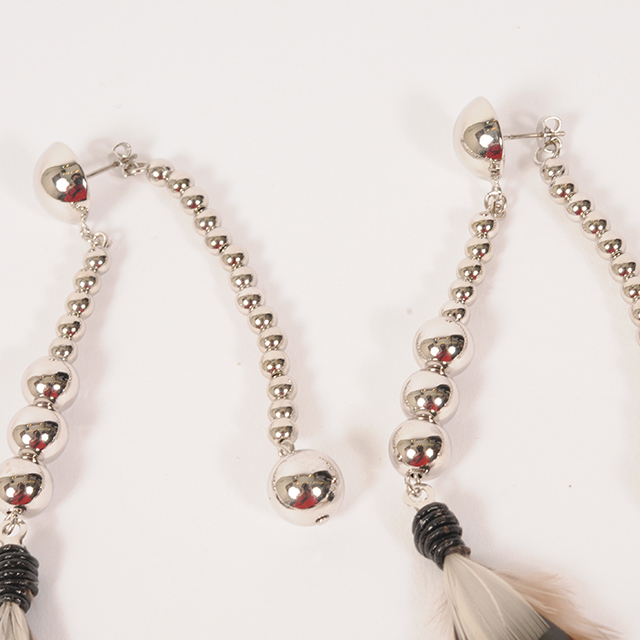 df19AW-J10 FEATHER M/PEARL PIERCE (silver)