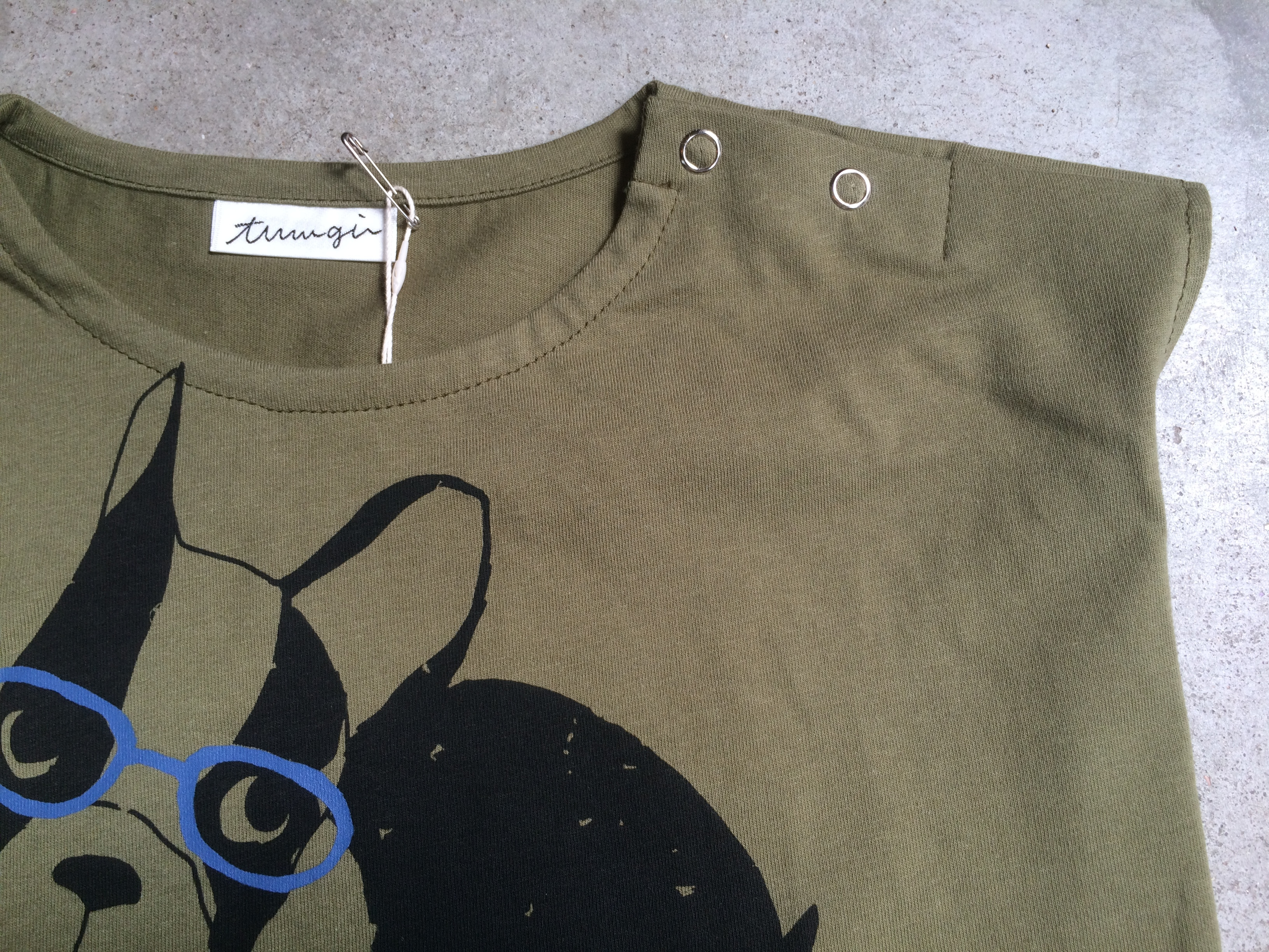 tumugi フレンチブルドックTシャツ130 カーキ
