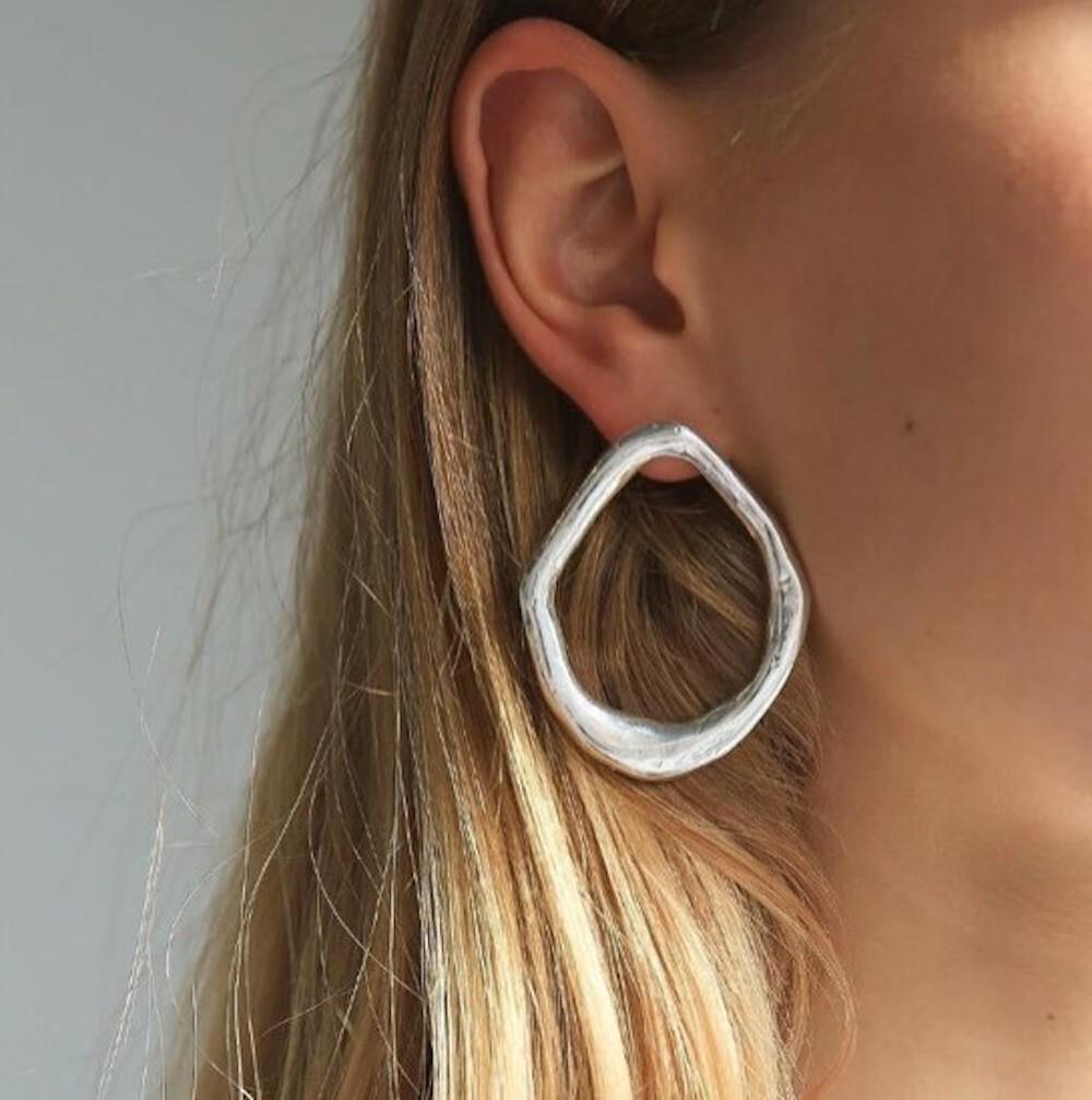 P2001 - cool metal ring