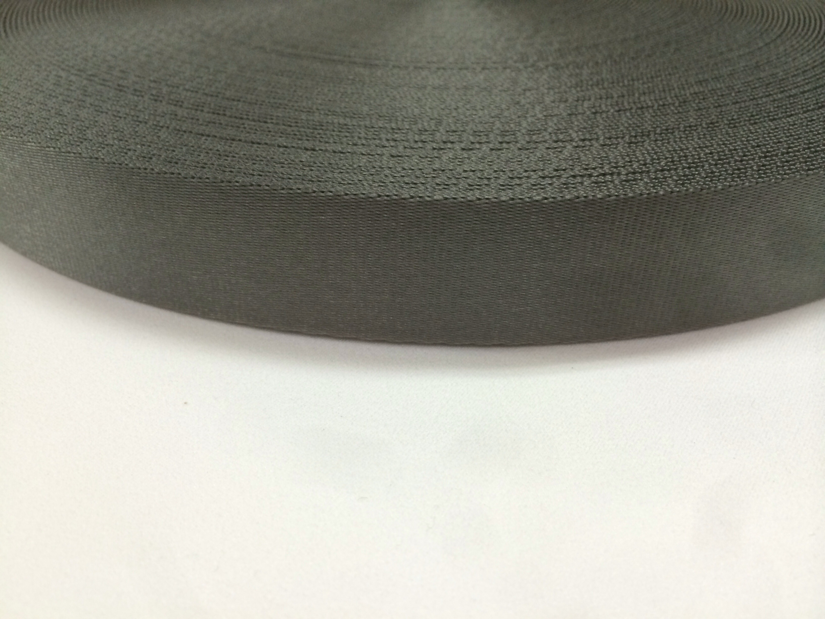 ナイロン 流綾織 10㎜幅 1.0㎜厚 カーキ1m