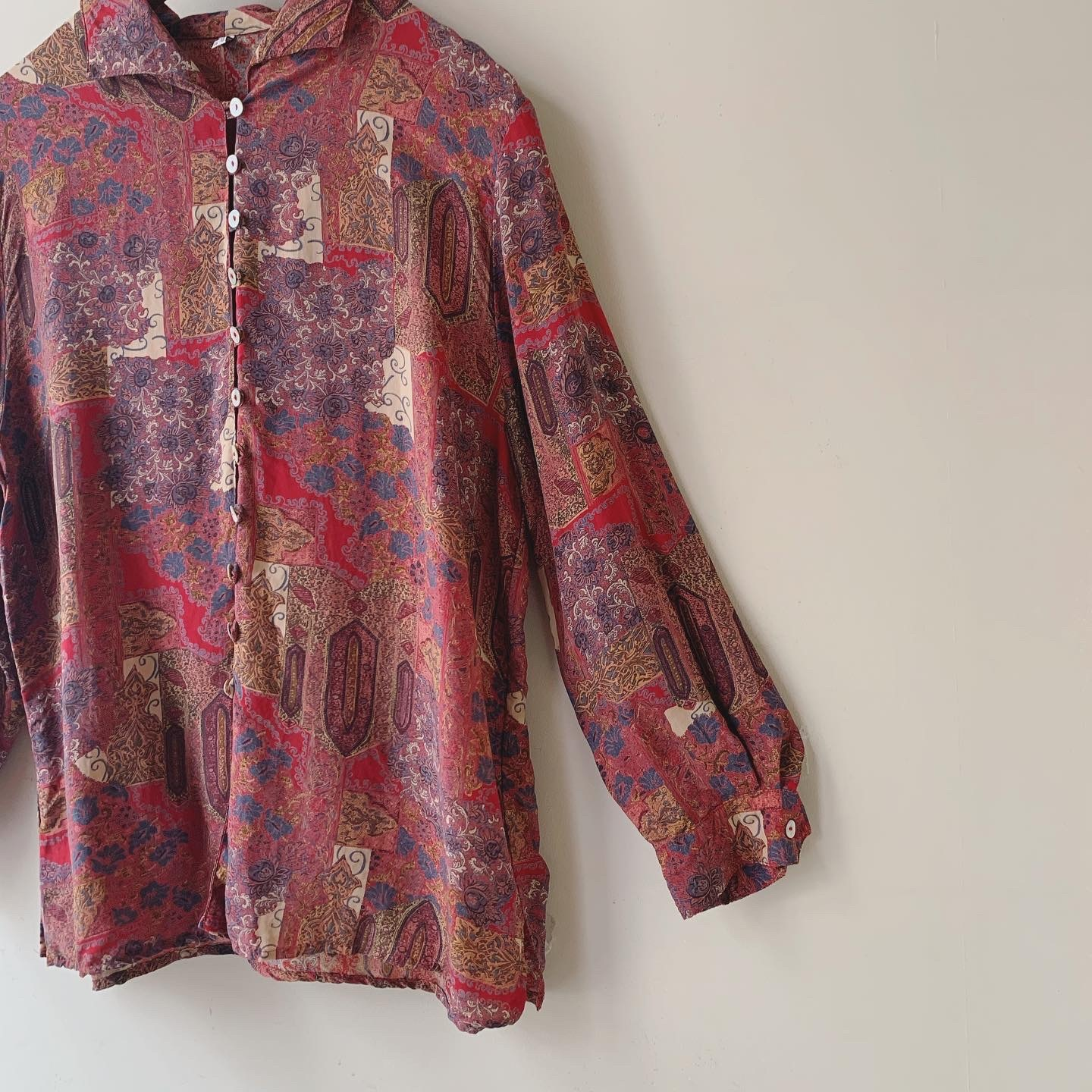 vintage button design blouse