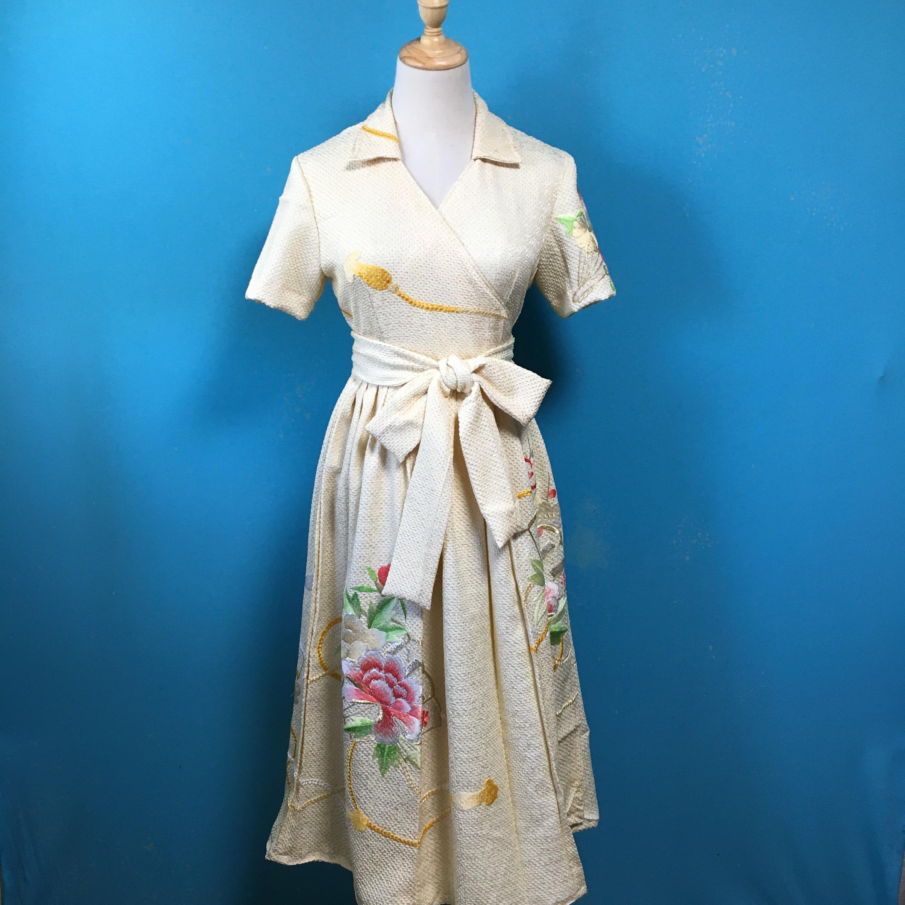 Vintage kimono wrap dress/ US 6, 振袖