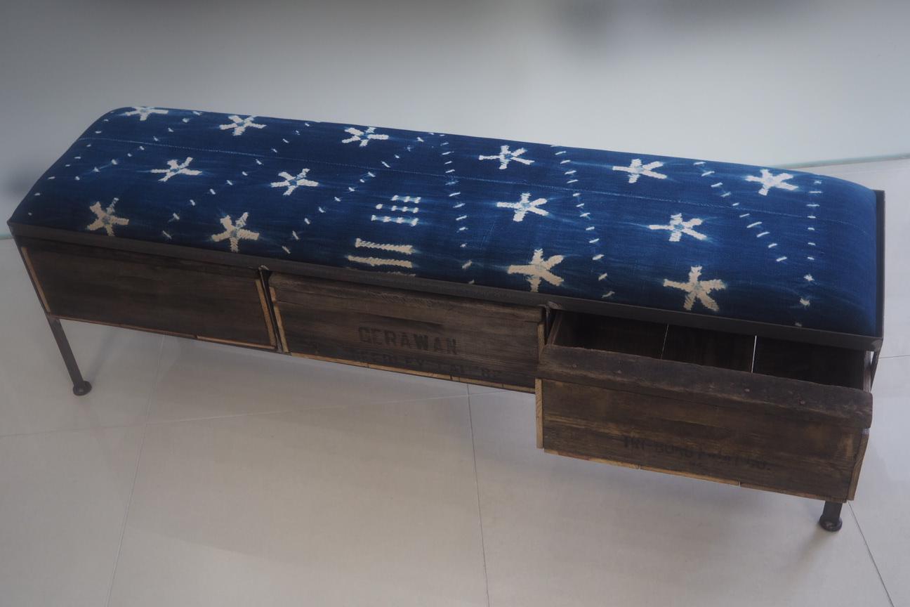 品番UAI3-121  3drawer ottoman[narrow/African indigo batik tribal]