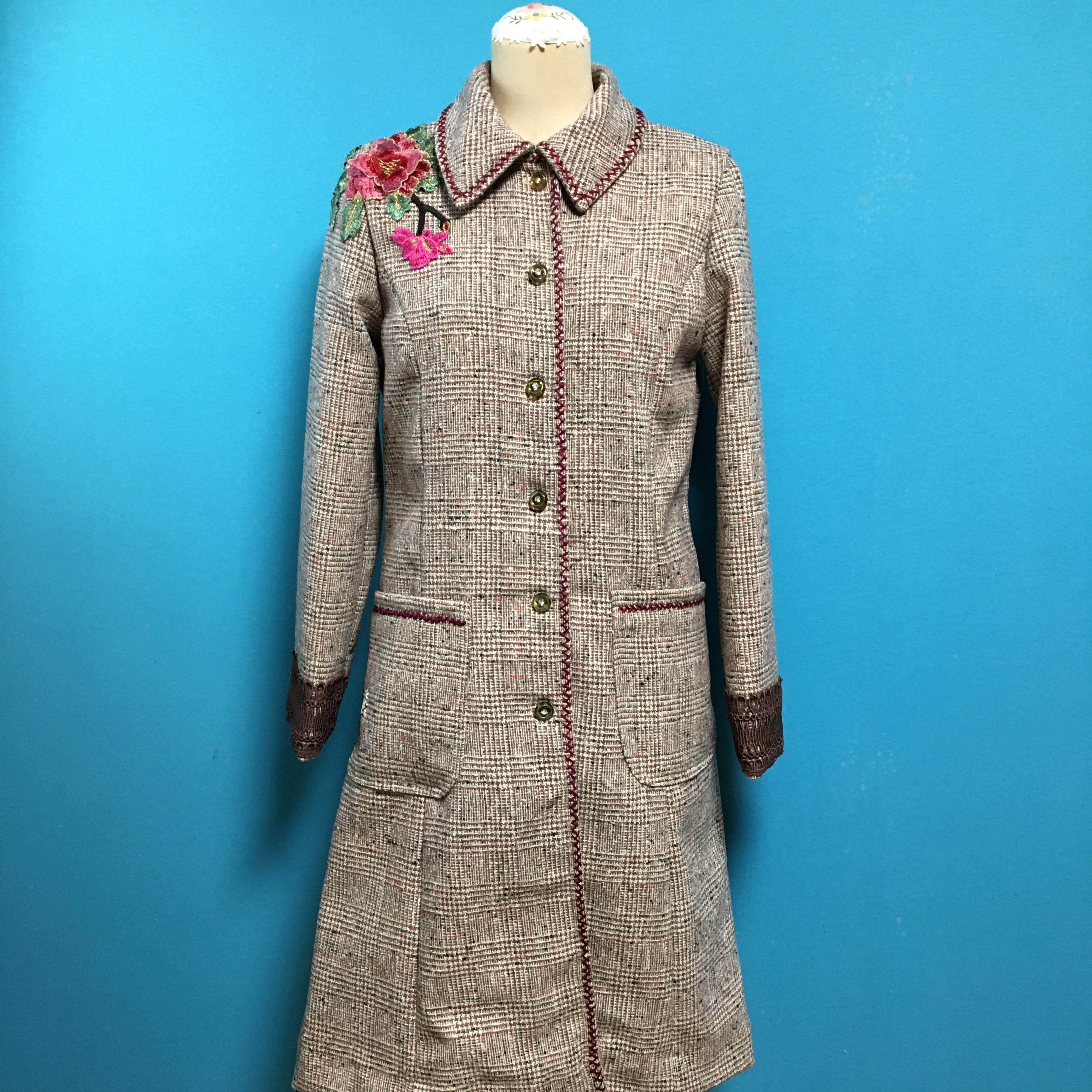 Vintage tweedのフラワーコート
