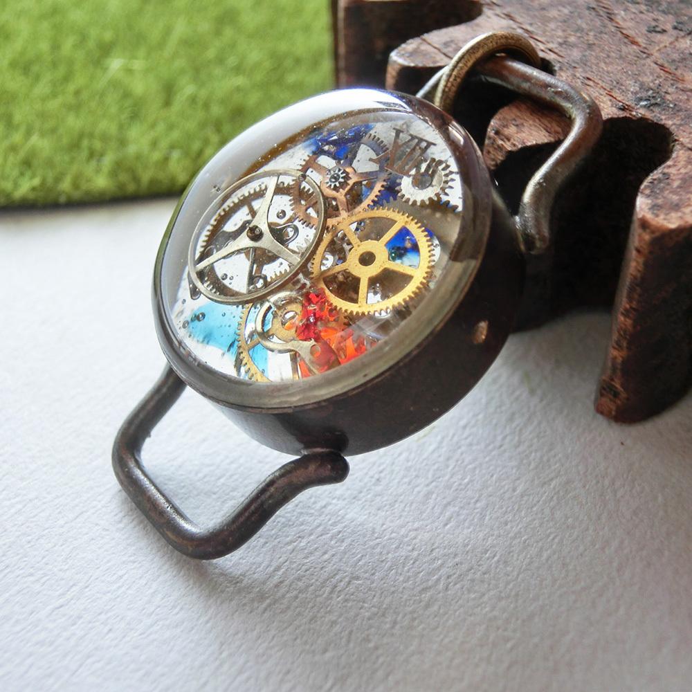 【時計枠】b  ペンダントトップ ※革紐やチェーンは付属いたしません。 真鍮 レジン #1053