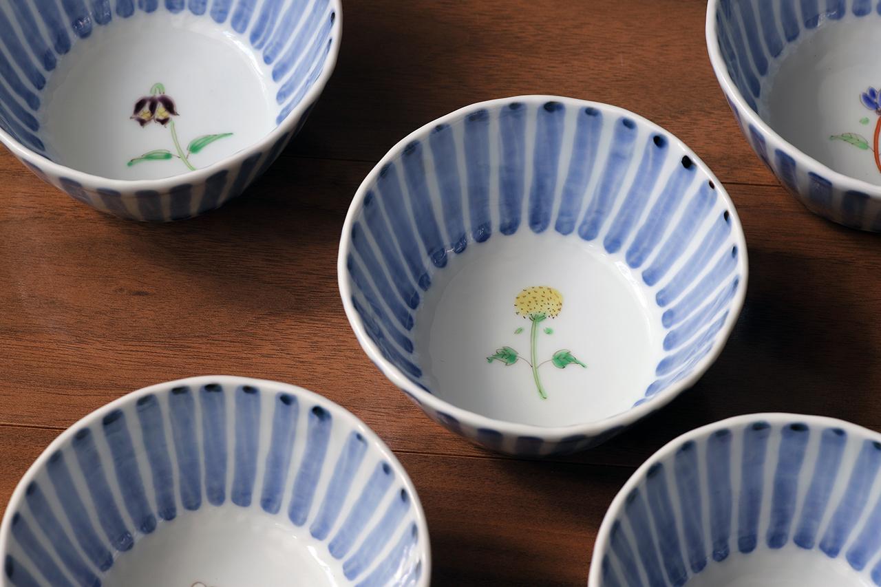 藍水 十草一つ花ノゲシ 線彫小鉢 うつわ藍水(波佐見焼)