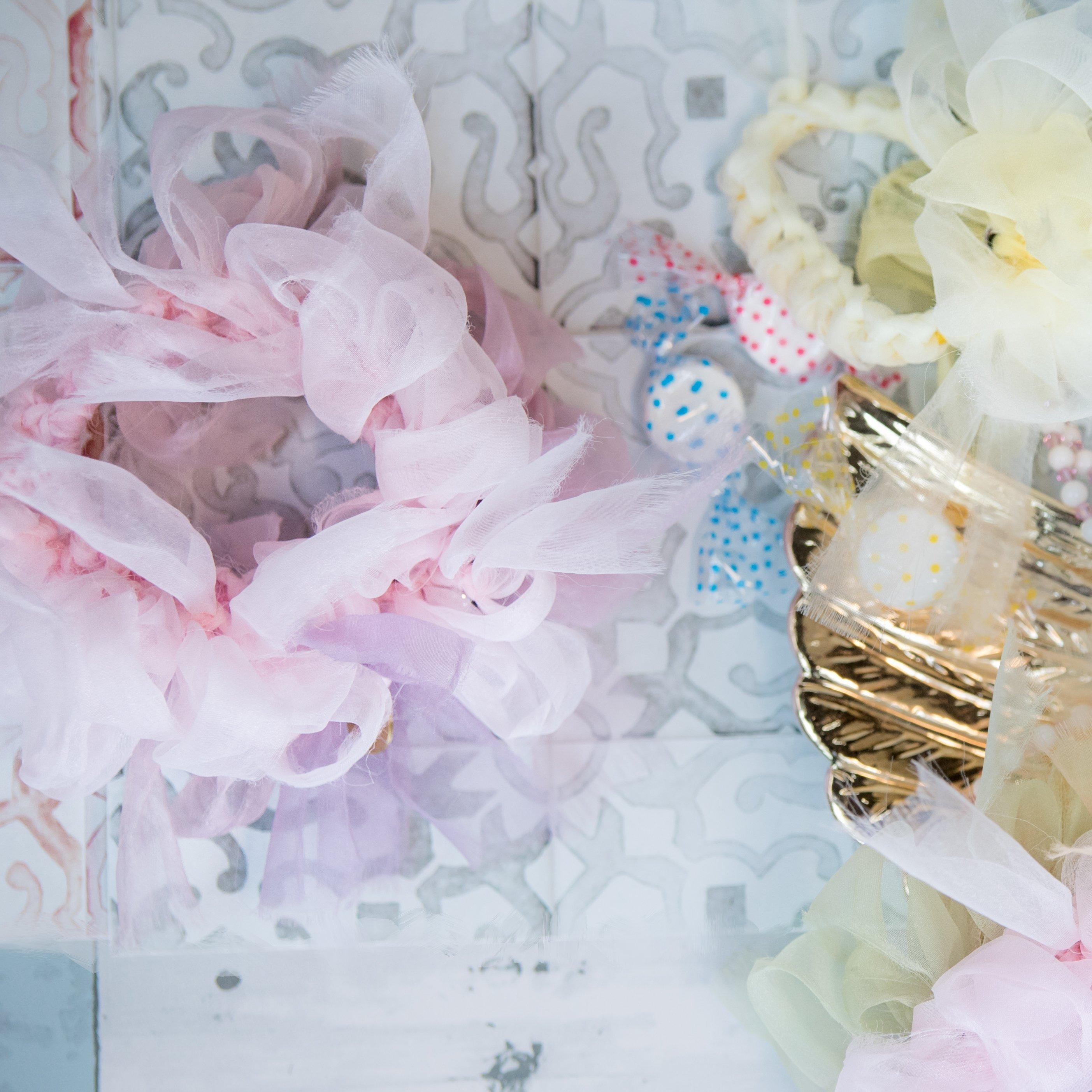 レンゲ~彩る咲き編みシュシュ