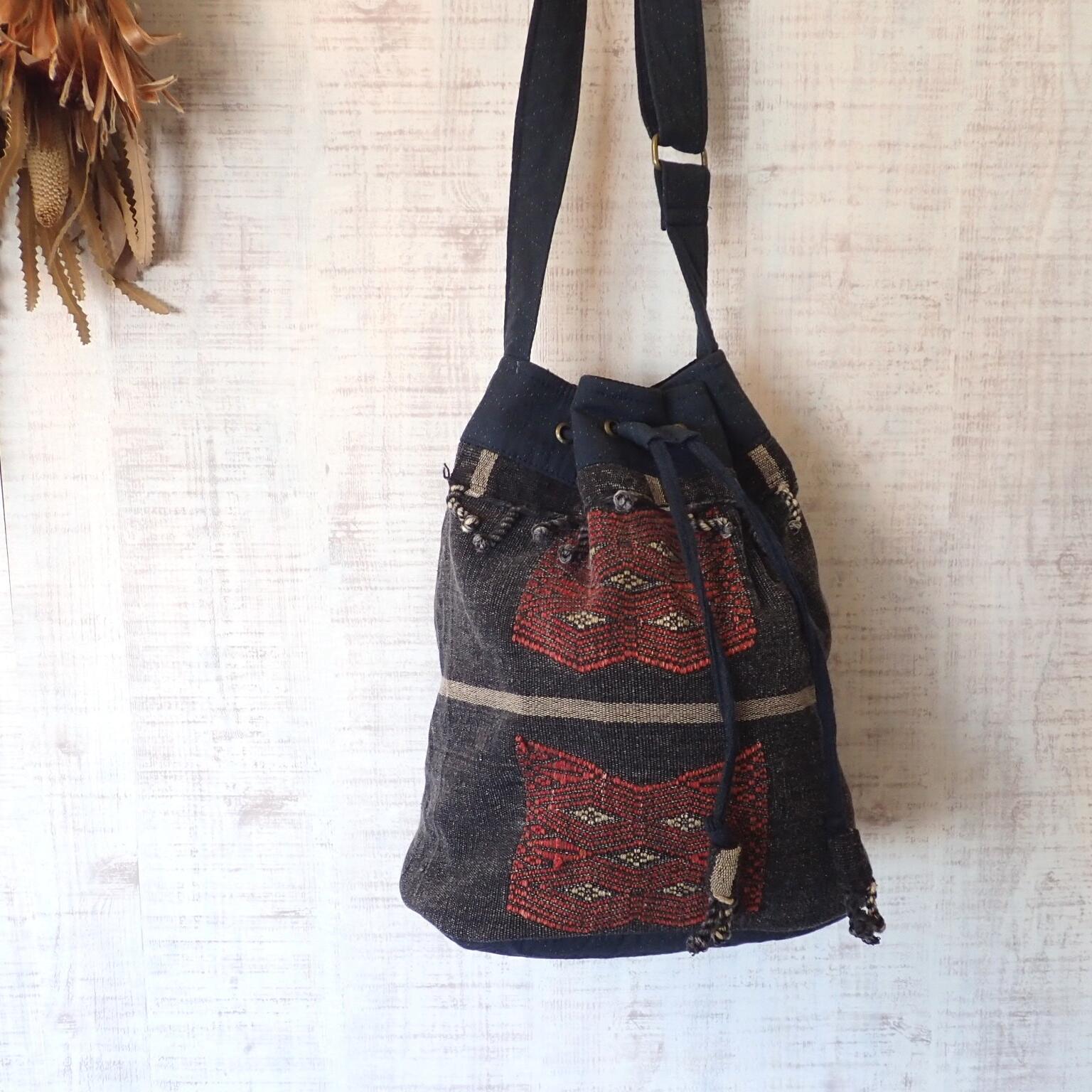チェンマイ ナガ族刺繍の2WAYバッグ