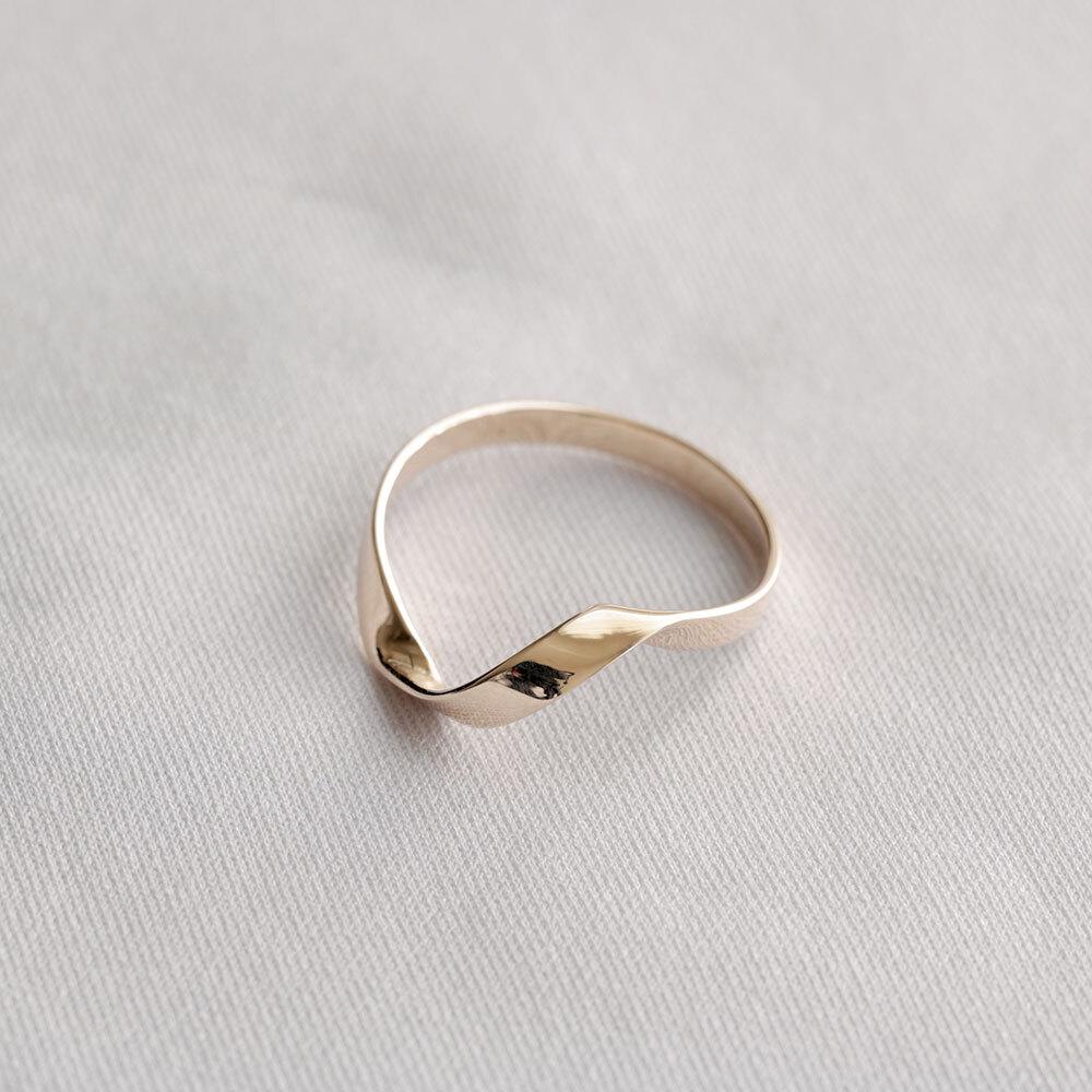 FOLDING METAL / twist slim ring - yellow gold
