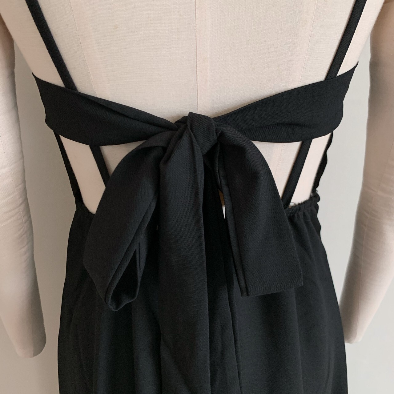 【meltie】back ribbon cami one-piece
