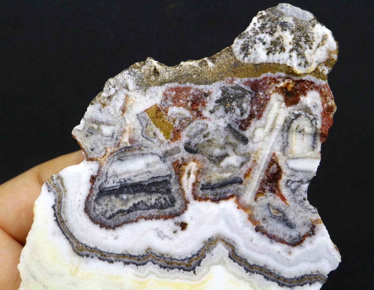 カリフォルニア産 シルバーレースオニキス 126,2g 原石 SLO010