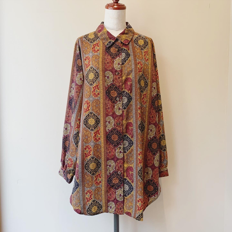 vintage damask design tops