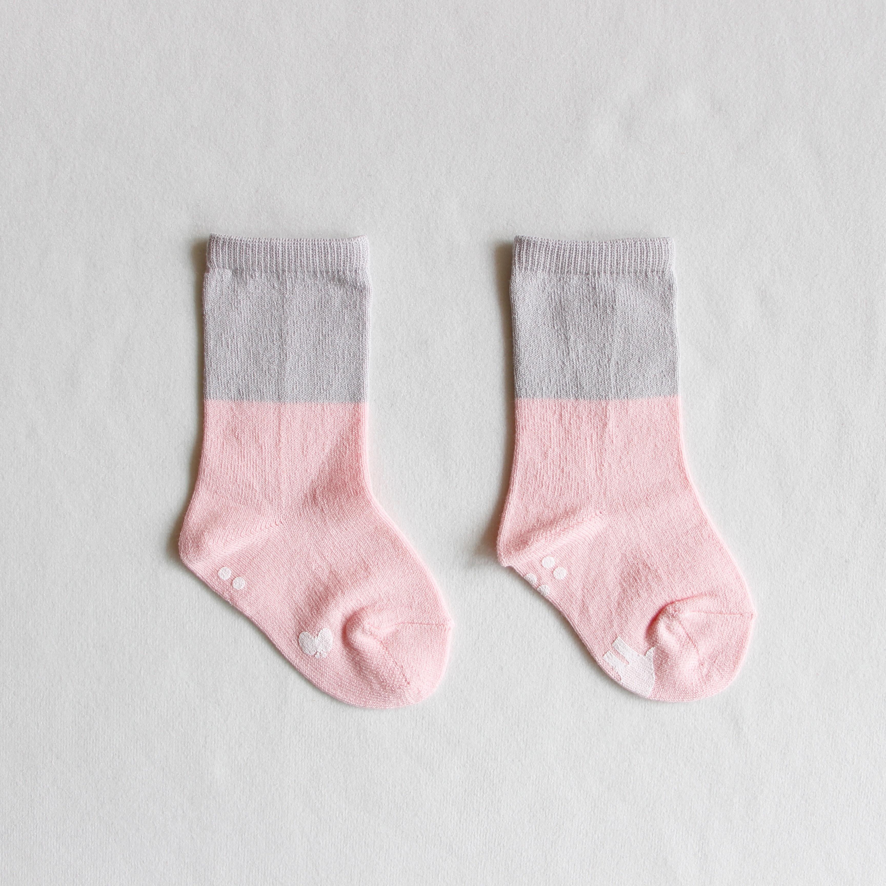 《mina perhonen 2018AW》duo ソックス / pink
