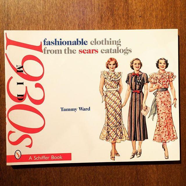 ファッションの本「Fashionable Clothing from the Sears Catalogs: Mid 1930s」 - 画像1
