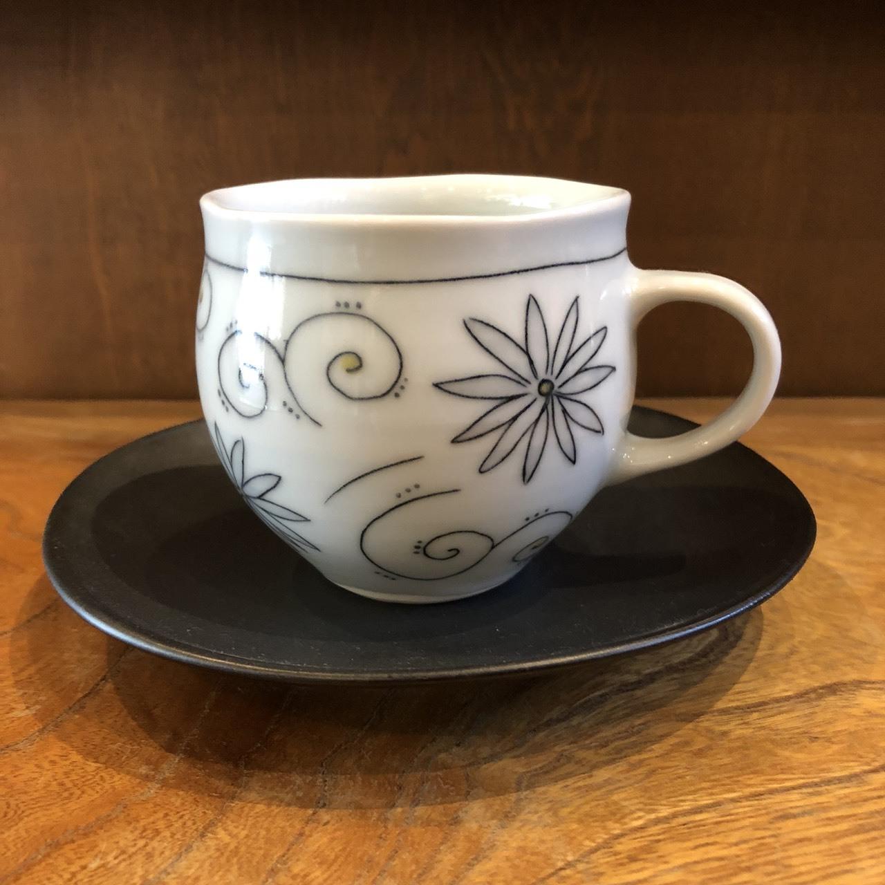 砥部焼 陶彩窯 象嵌のカップ&ソーサー
