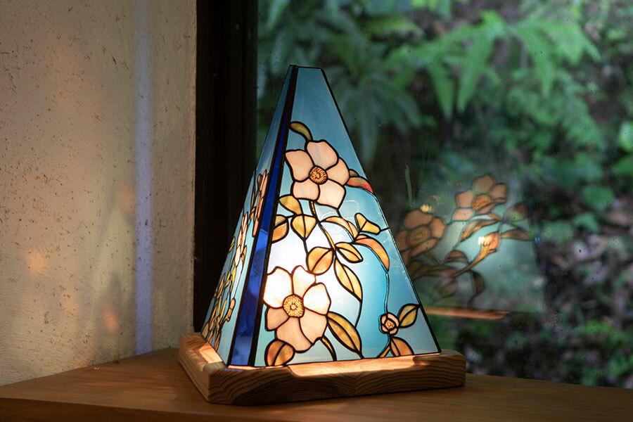 ナニワイバラ(ステンドグラスのテーブルランプ) 01020305