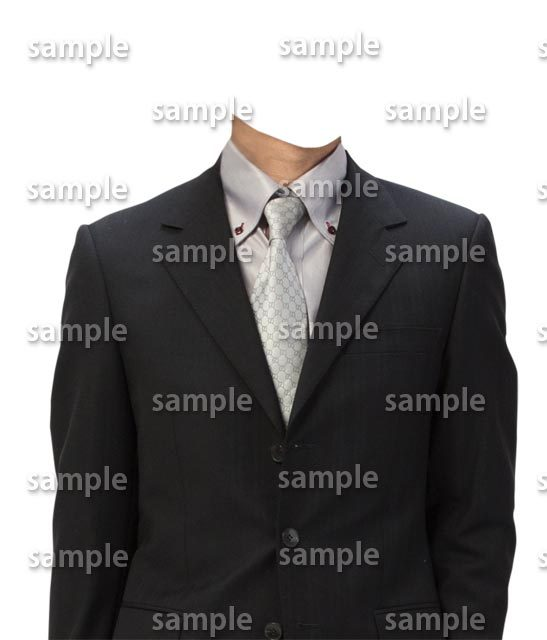 男性黒スーツグレーシャツ正面