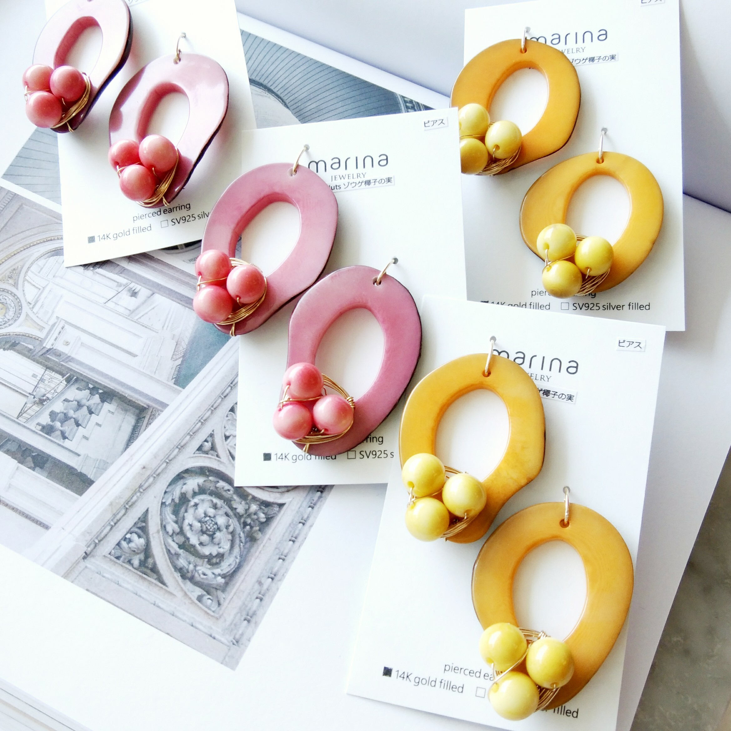送料無料Orange x Orange Tagua Nuts pierced earring / earring
