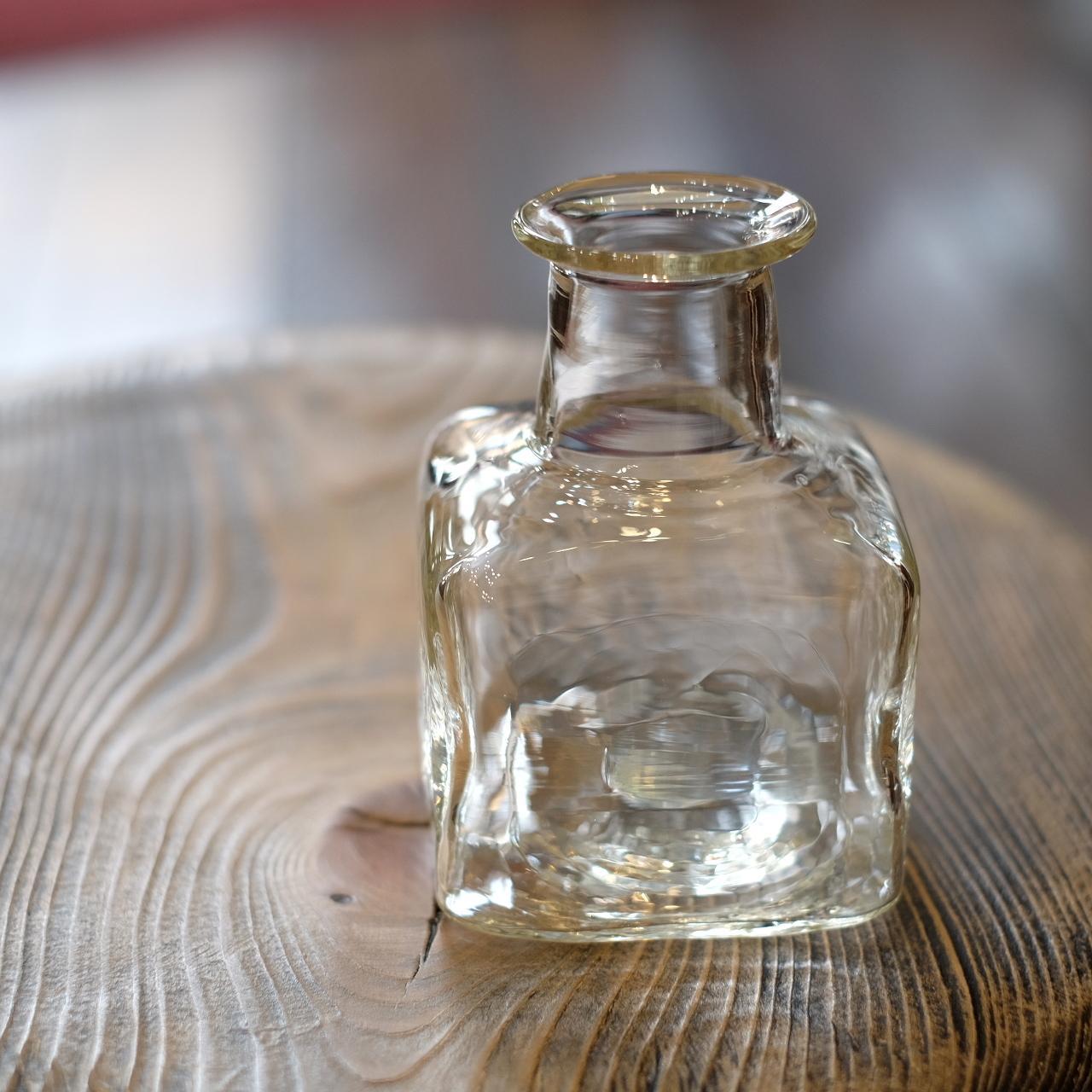 石川硝子工藝舎 角小瓶(クリア) 石川昌浩