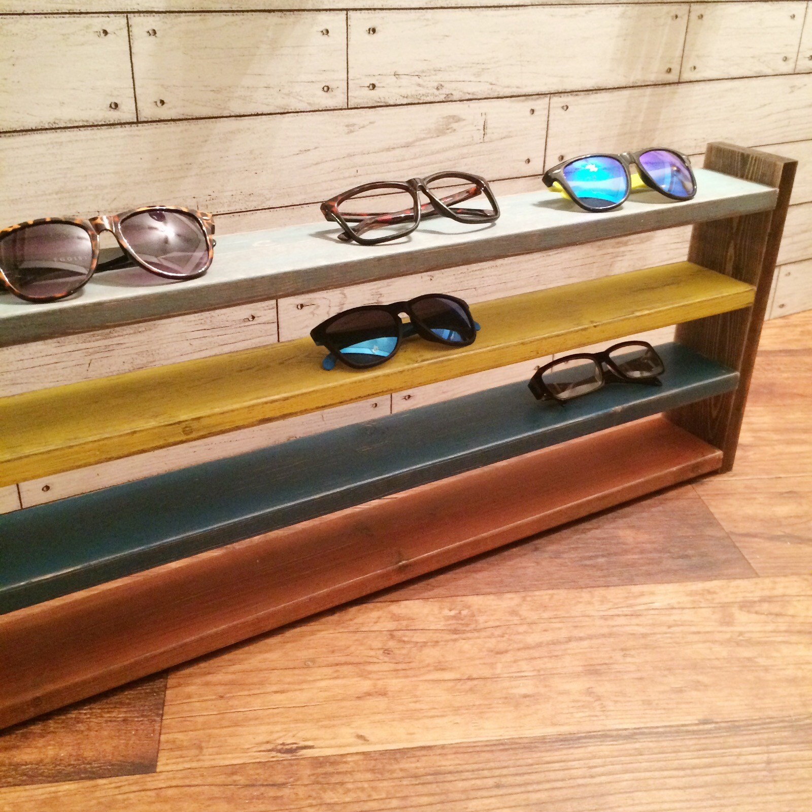 sunglasses shelf