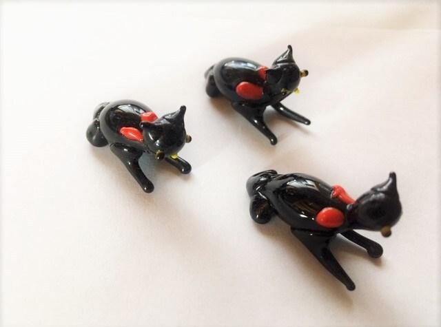 ガラスの黒猫3匹 豆ねこ ヴィンテージ ミニチュアガラス細工
