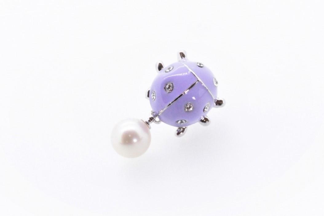 アコヤ真珠 ピンブローチ〈テントウムシ〉ライトパープル