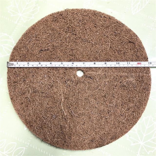 ヤシの繊維円盤マット 直径33㎝ 薔薇クリスマスローズのマルチング - 画像1
