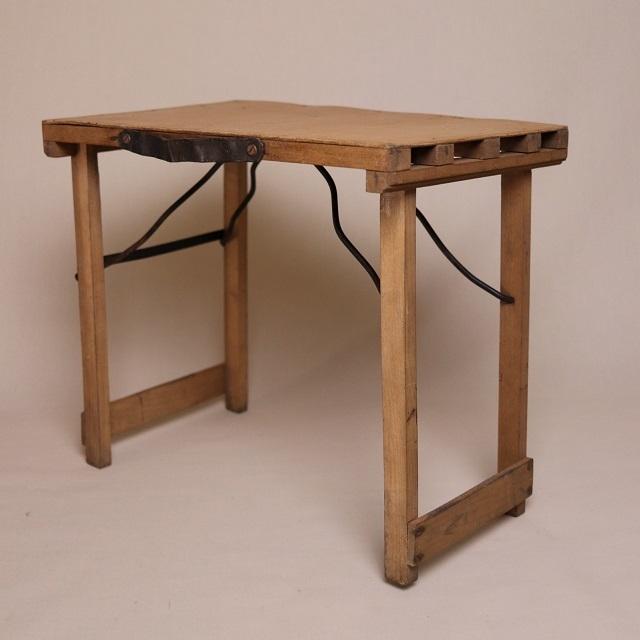 携帯用折畳椅子 / 木製