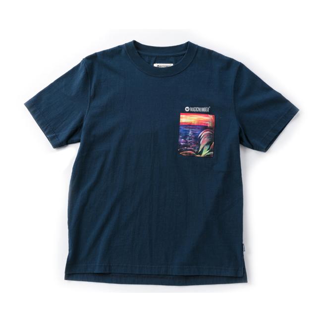 MAGIC NUMBER アート サンセット Tシャツ ネイビー