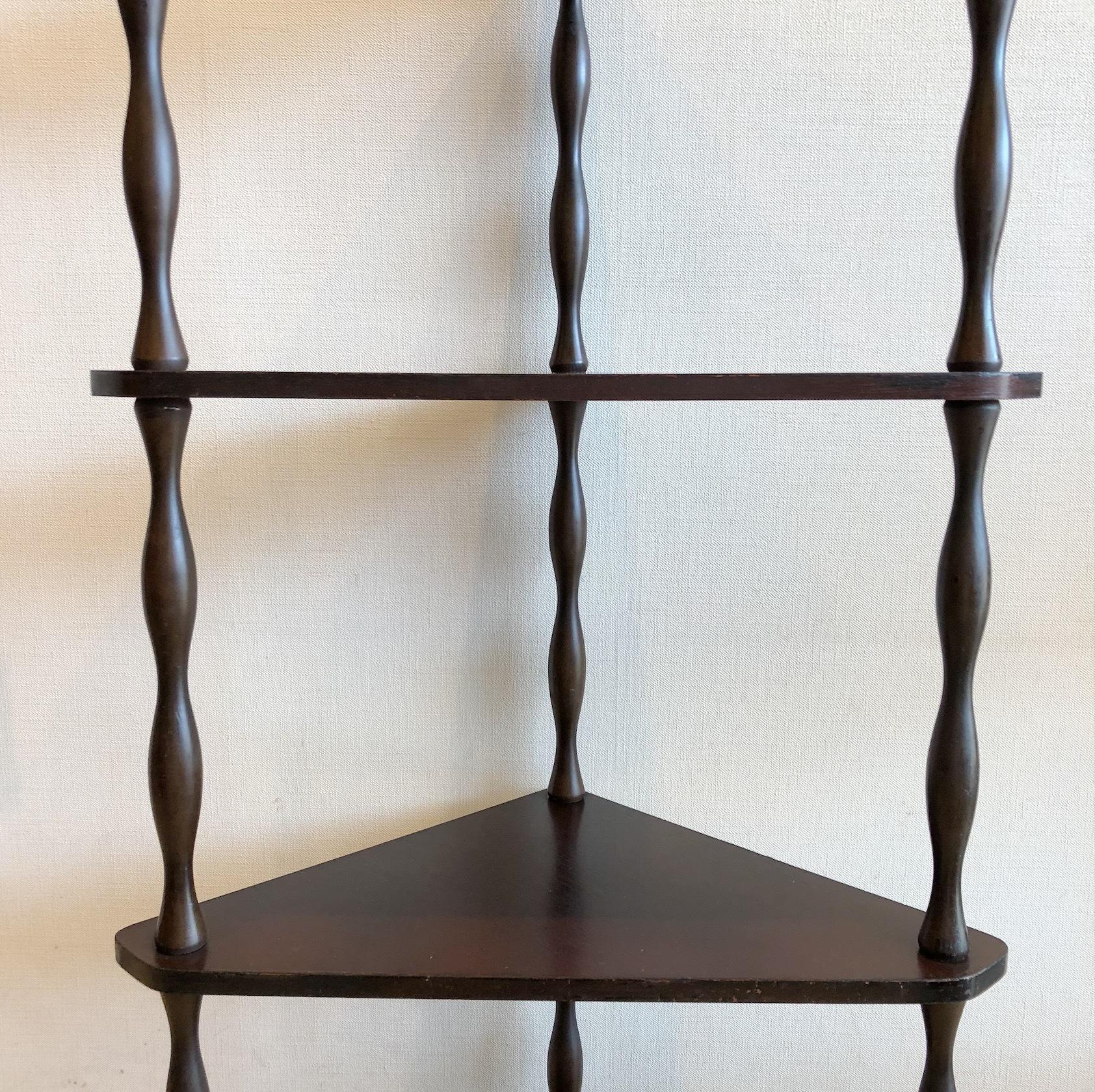レトロな4段飾り棚