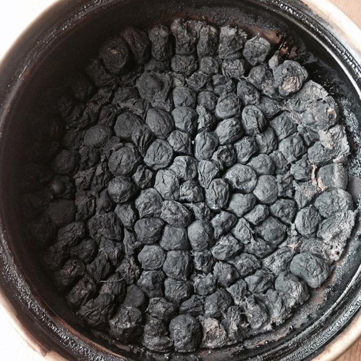 梅干黒焼 うめぼしのくろやき - 画像3