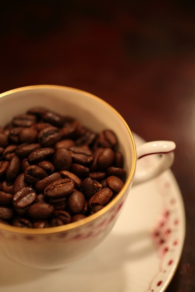 【通常宅配便】まろやかな酸味で人気の珈琲豆 炭火焙煎珈琲 モカ200g